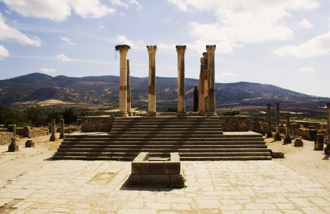 Volubilis_Capitoline_temple.jpg Prioryman